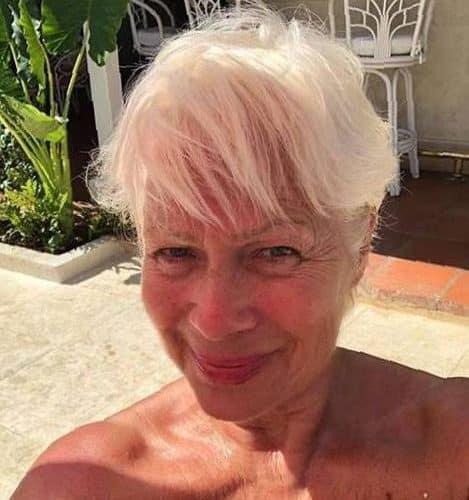 Oma sucht Begleitung für Sex Urlaub